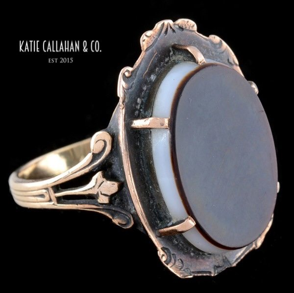 Victorian 9kt Yellow Gold Banded Onyx Ring (Antique