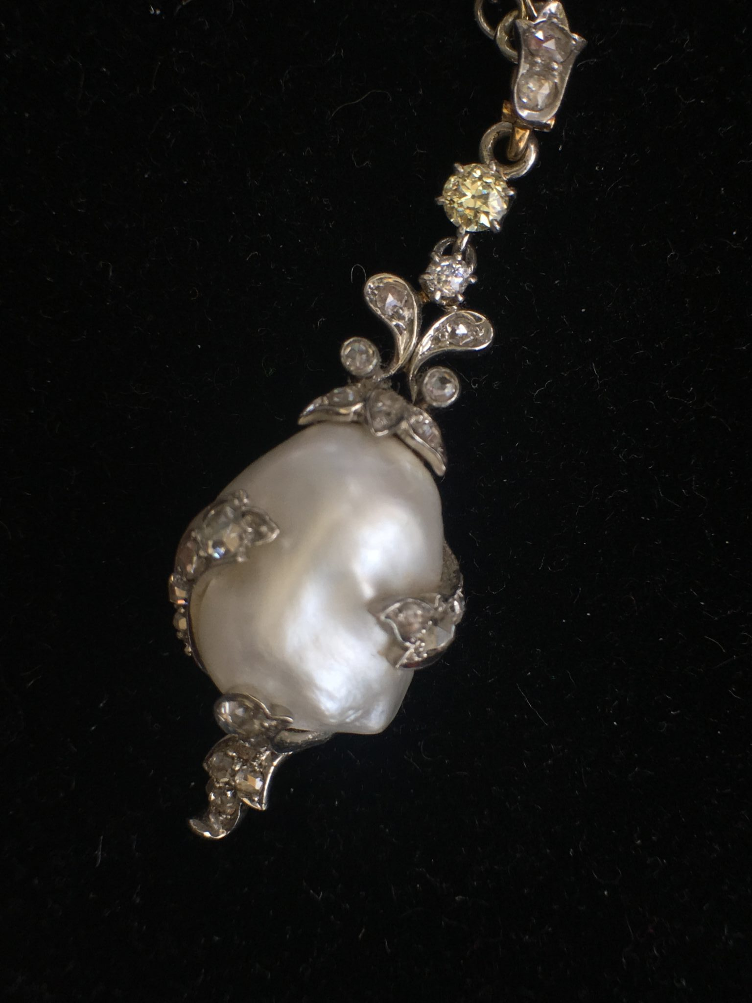 Outstanding art deco seed pearl necklace with baroque for Deco baroque