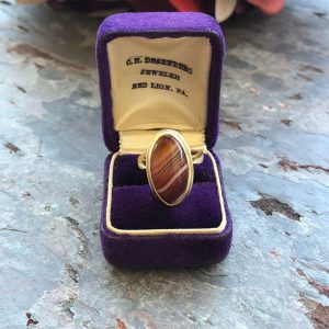 Victorian Banded Agate and 14kt Yellow Gold Ring (Antique)