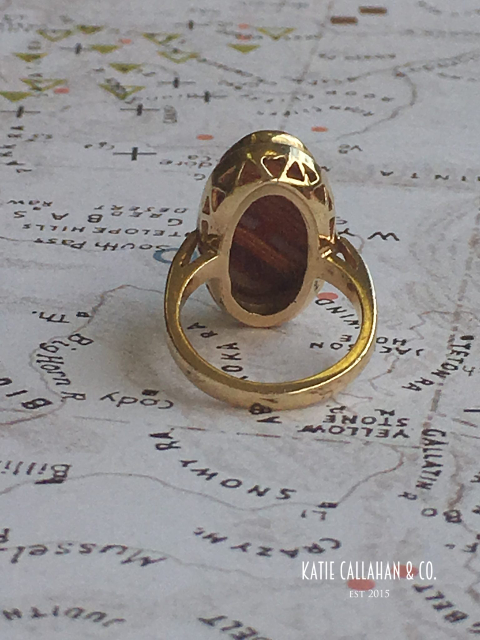 Victorian 14kt Banded Agate and Yellow Gold Ring (Antique)