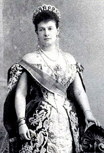 Grand Duchess Vladimir wearing the Vladimir Tiara